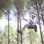 Saltando desde liana